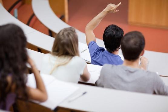 student asking best marketing websites